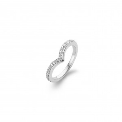 Shaped CZ Ring