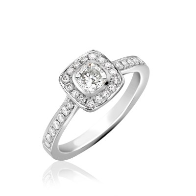 VINTAGE STYLE CUSHION CUT CENTRE CLUSTER DIAMOND RING