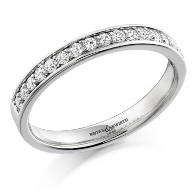 CHANNEL AND SHARED CLAW SET DIAMOND WEDDING RING