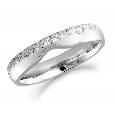 OFFSET SHAPED DIAMOND SET WEDDING RING