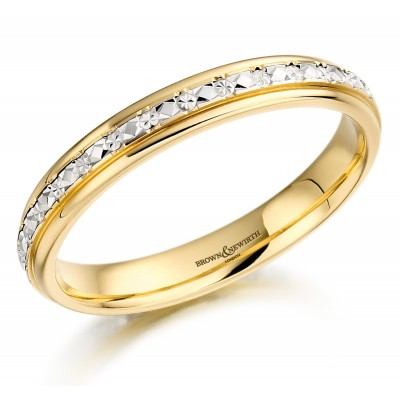 DIAMOND CUT PATTERNED WEDDING RING