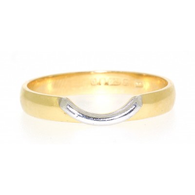 SHAPED WEDDING RING WITH CUT OUT 'LIP'