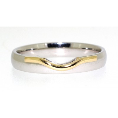 WEDDING RING WITH SHAPED 'LIP'